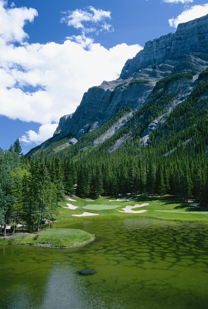A Ghoulish Golf Offer For Halloween In The Canadian Rockies Canadian Rockies Golf L Golf In
